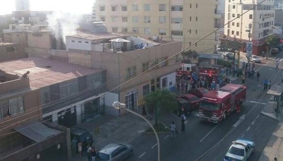 Miraflores: incendio afectó anticuchería de Grimanesa Vargas