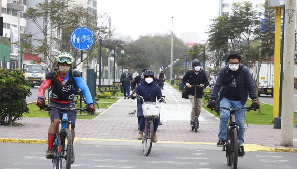 El dominical Cuarto Poder informó que sujetos inescrupulosos solo necesitan de una cizalla para apoderarse de las bicicletas que sus dueños dejan estacionadas en diversos puntos de la capital. (Foto: GEC)