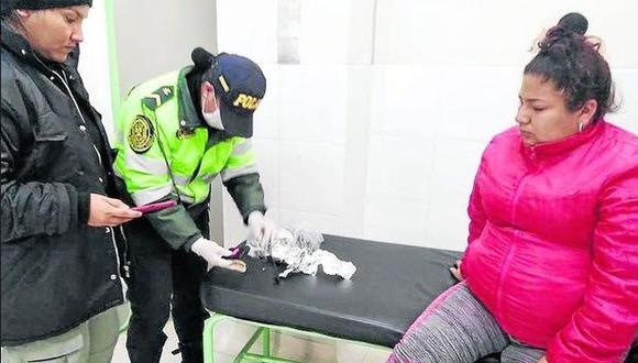 Pasco: detienen a mujer que intentó ingresar con un celular al penal de Cochamarca