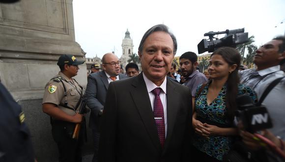 El congresista Carlos Mesía (Fuerza Popular) pidió declararse en sesión permanente. (Foto: GEC)