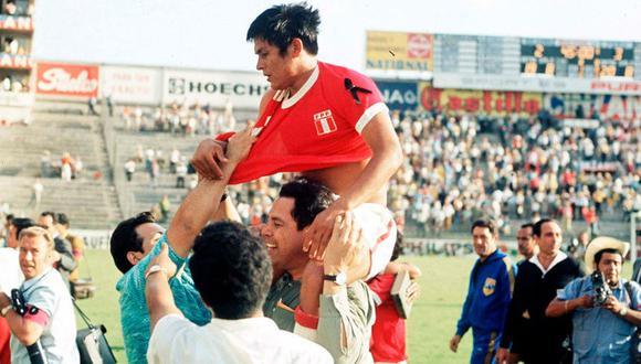 Con apenas 21 años, el 'Cholo' ya se daba el lujo de debutar en una Copa del Mundo. Su estreno fue en la gran victoria de 3-2 ante Bulgaria en León.