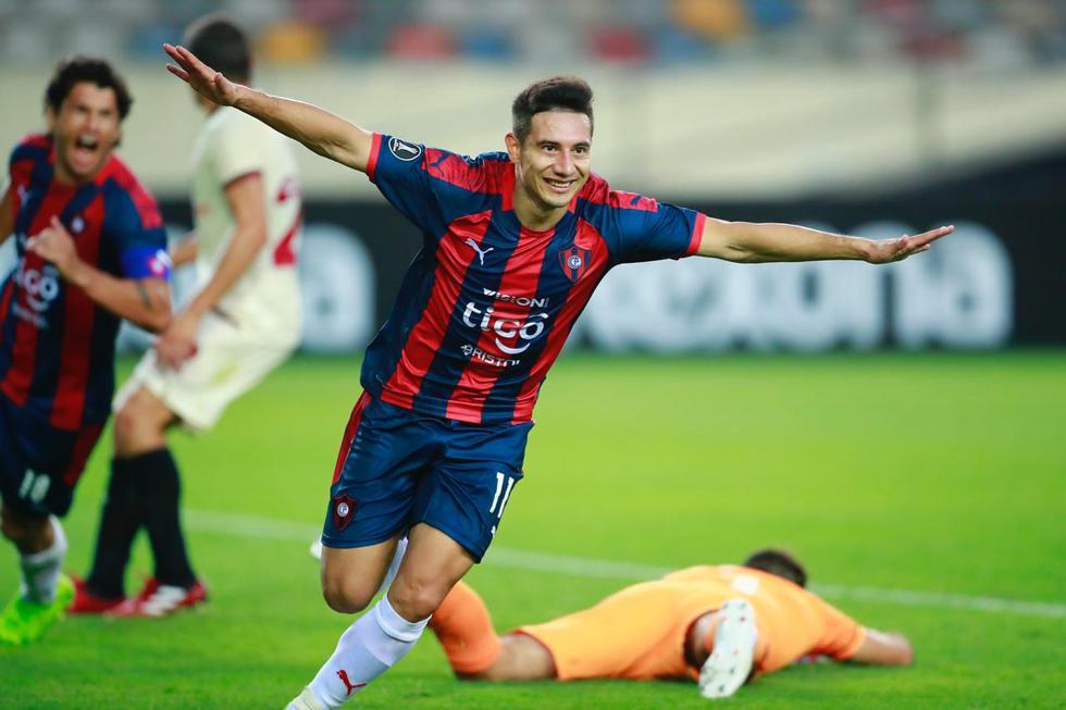 Óscar Ruiz empató el marcador en el Estadio Monumental | Foto: Daniel Apuy / GEC