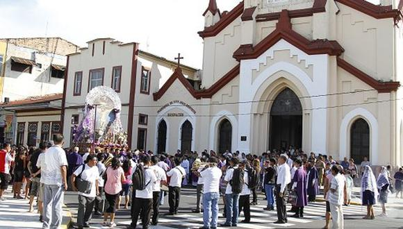 Señor de los Milagros recorrió principales calles de Iquitos