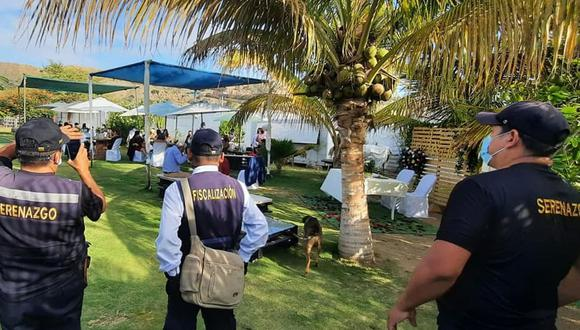 Personal policial y de la comuna llegaron para hacer respetar las normas de bioseguridad. (Foto: Municipalidad Provincial Talara)