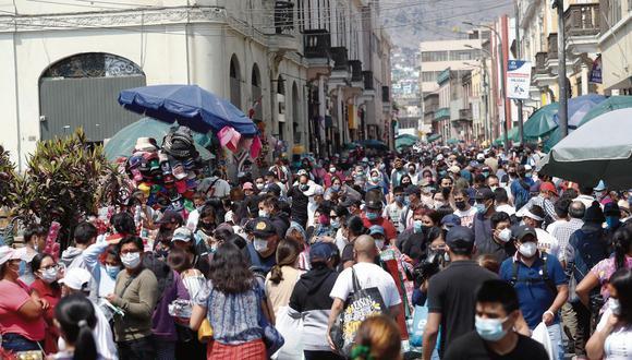 Una de las vías más congestionadas es el jirón Andahuaylas. En el cruce con jirón Cusco ocurrió el incendio de Mesa Redonda, que causó la muerte de unas 300 personas el 29 de diciembre del 2001. (Alessandro Currarino / @photo.gec)