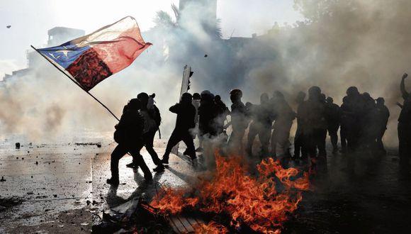 Las protestas en Chile representaron el hartazgo de la sociedad latinoamericana con respecto a la desigualdad. El aumento de la tarifa del metro desató una inédita ola de manifestaciones. (Foto: Reuters)