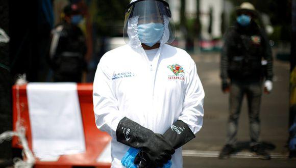 México. Los trabajadores con síntomas de COVID-19 podrán gestionar un permiso por aproximadamente 14 días. (Foto: Reuters)