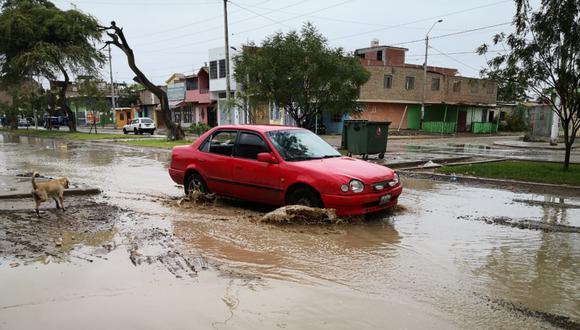 Piura, Ayacucho y Apurímac son las regiones que tienen más distritos declarados en emergencia por peligro inminente ante lluvias. Las calles de esta primera región colapsaron tras una intensa lluvia del domingo. (Foto: GEC)