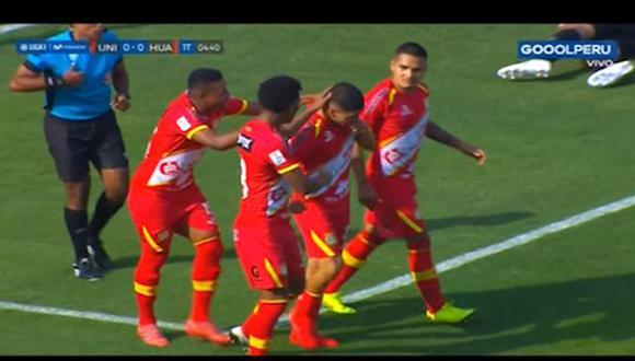 Ricardo Salcedo puso el 1-0 sobre Universitario en la Liga 1. (Captura: Gol Perú)