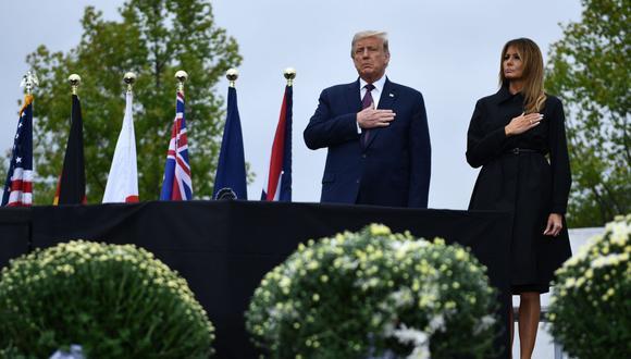 El presidente de Estados Unidos Donald Trump y la primera dama Melania Trump durante la ceremonia para conmemorar el atentado del  11-S. (Foto: AFP / Brendan Smialowski)