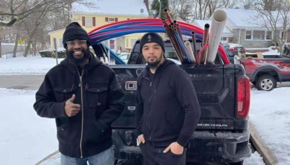En un viaje de más de 20 horas desde Nueva Jersey, Andrew Mitchell, junto a su cuñado llegaron hasta Texas para ayudar a los afectados. (Foto:)