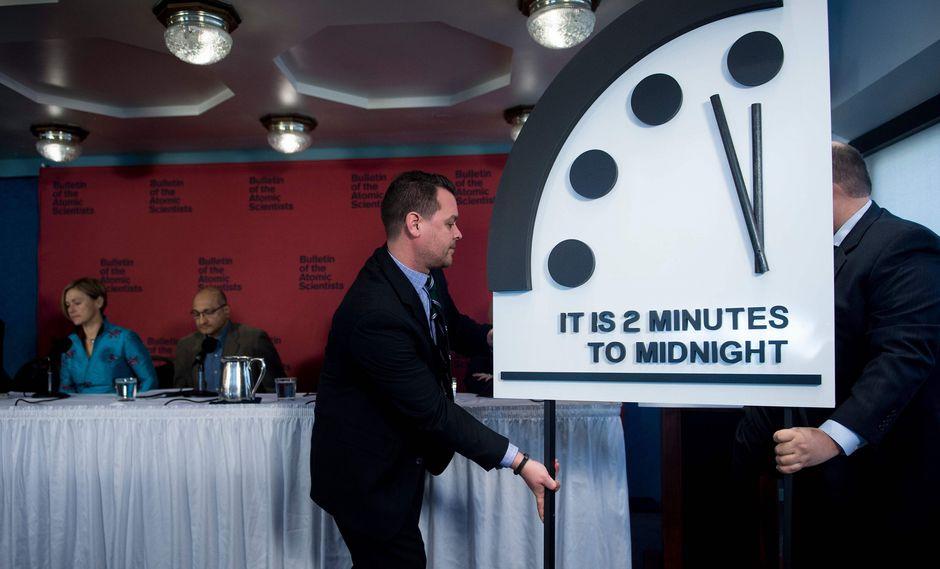 """""""Reloj del Apocalipsis"""" muestra la mayor amenaza nuclear desde la Guerra Fría. (AFP)."""