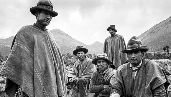Campesinos de Andahuaylas retratados por Wiström en 1974.