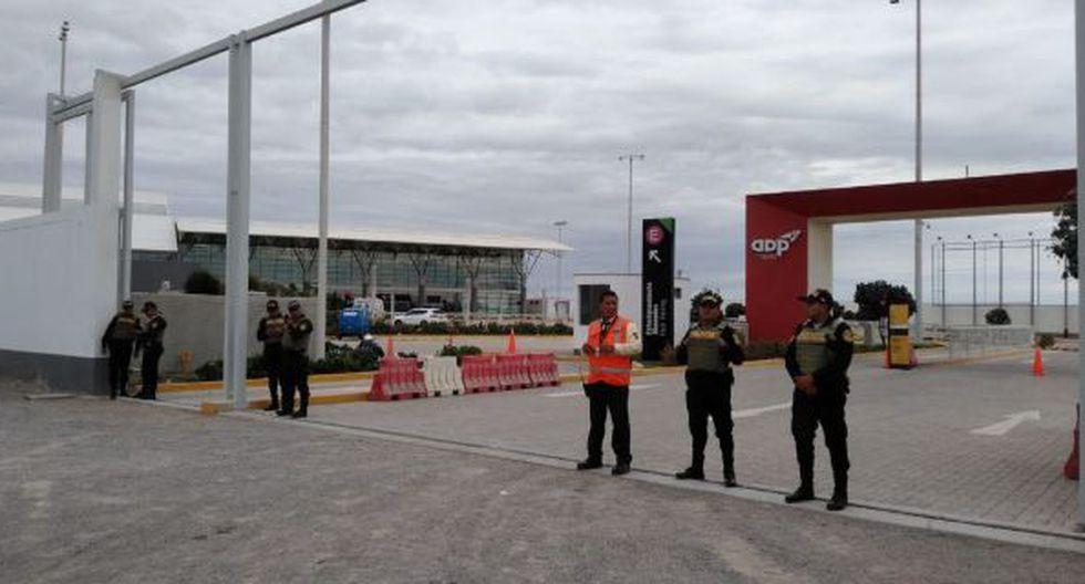 El avión tuvo que realizar un aterrizaje de urgencia en el Aeropuerto Capitán FAP Renán Elías Olivera de Pisco conforme a los protocolos establecidos y aprobados por la DGAC del MTC. (Foto: GEC)