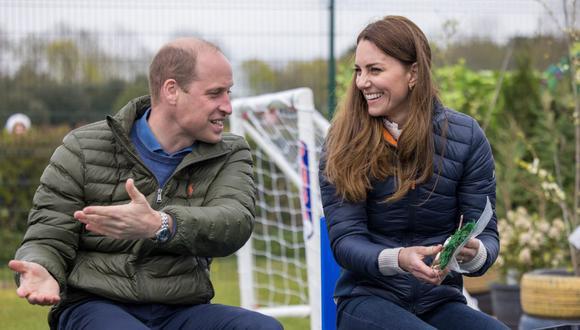 Guillermo de Cambridge y su esposa Catalina presentaron su canal de YouTube 'The Duke and Duchess of Cambridge'. (Foto: AFP)