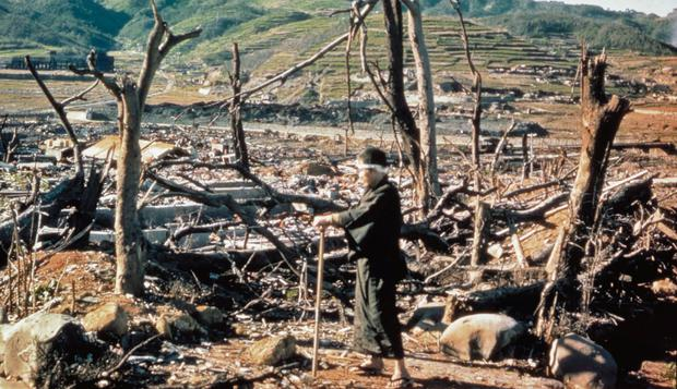 This photo shows the devastation left by the explosion of the atomic bomb on Nagasaki.