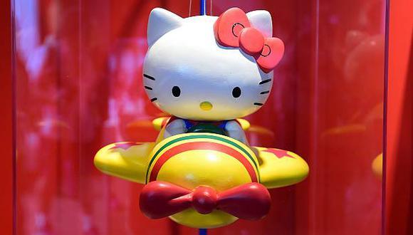 Juguetes. La empresa japonesa Bandai sacará en mayo de este año un nuevo modelo de Hello Kitty basado en Mazinger Zl que adopta sus colores y su diseño. (Foto: AFP)