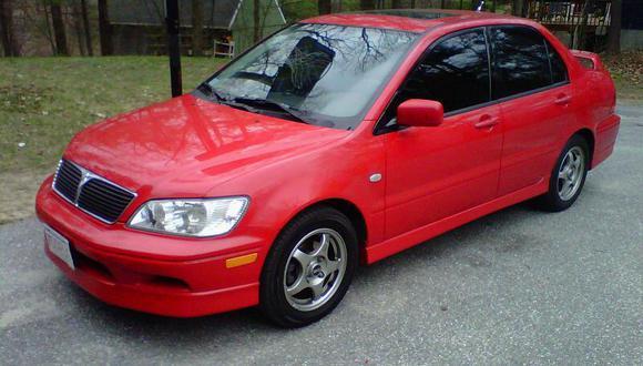 Llaman a revisión a autos Mitsubishi Lancer por falla en airbag