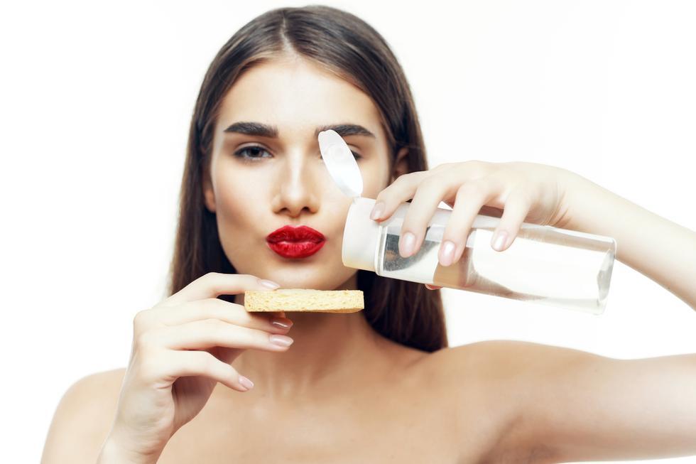 Descubre cuáles son los principales errores de maquillaje en esta galería. (Foto: Shutterstock)