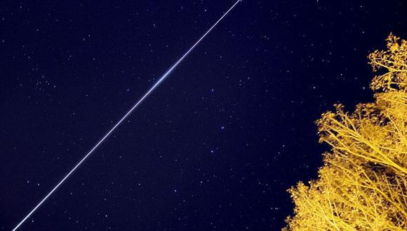 Si tienes suerte, y miras a la hora indicada, podrías ver el paso de uno de los miles de satélites artificiales que pueblan nuestro cielo. (Foto: ANDREAS MÖLLER)