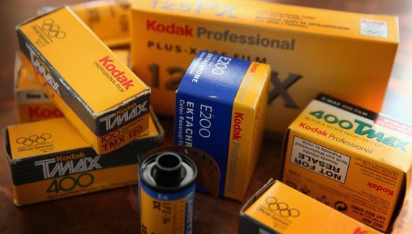 Kodak tiene una larga historia de fabricación de productos químicos utilizados en películas fotográficas, pero se declaró en bancarrota en 2012 cuando el cambio a las cámaras digitales devastó su negocio.