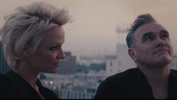 Morrissey estrenó videoclip con Pamela Anderson