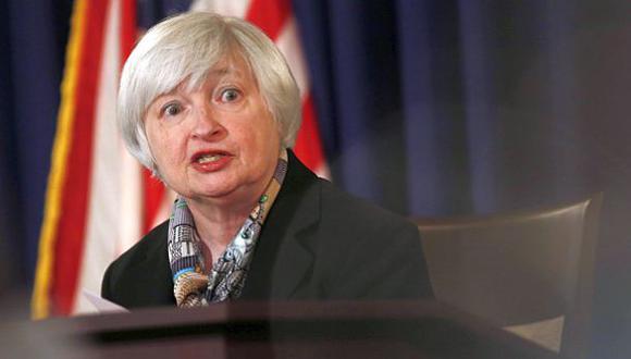 Tipo de cambio retrocede a S/.3,094 por mensaje de calma de Fed