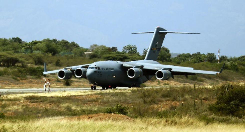 Crisis en Venezuela | Llega a Colombia el primer avión militar de Estados Unidos con toneladas de ayuda para Venezuela. (EFE)