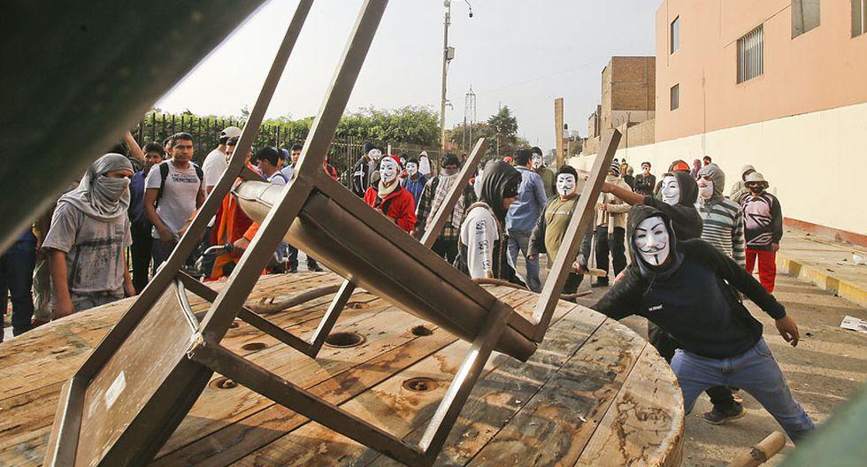UNMSM: así fue enfrentamiento entre estudiantes y trabajadores - 2