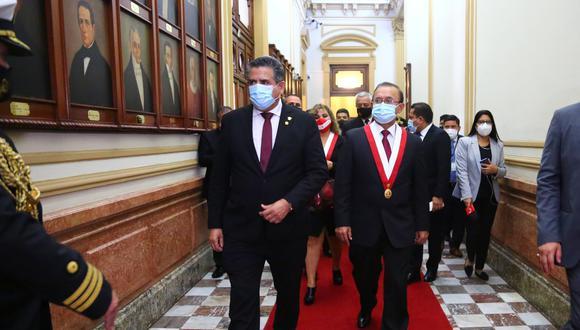 """Otto Guibovich dijo que habló con Manuel Merino este viernes """"después de mucho tiempo"""". (Foto: Congreso)"""