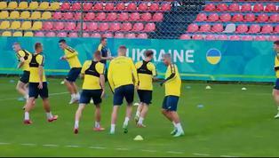 """UEFA pide a la selección ucraniana que borre de su camiseta el lema """"Gloria a los Héroes"""""""