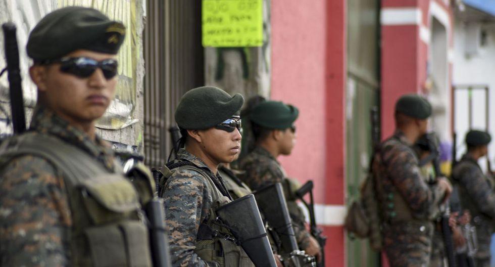 A inicios de los años 80, el guatemalteco integró las paramilitares Patrullas de Autodefensa Civil, grupo que tiene bastantes acusaciones por asesinato a indígenas. (Imagen referencial / AFP)