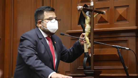 """""""Hoy más que nunca nos estamos enfrascando en cosas que no van, pero tampoco veamos que el Gobierno quiere provocar al Congreso, porque en eso no vamos a caer"""", señaló Zeballos. (Foto: GEC)"""
