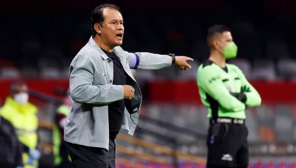 La emoción de Juan Reynoso por alcanzar récord histórico de Cruz Azul en la Liga MX. (Foto: EFE)