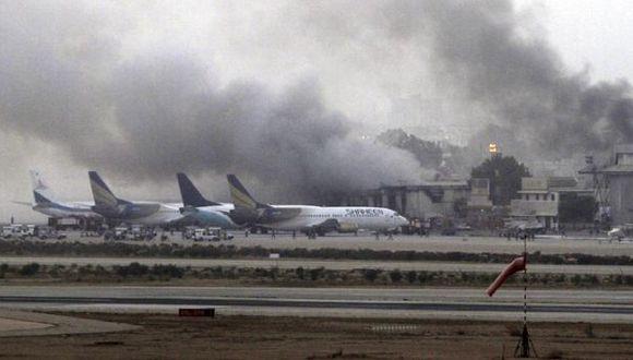Los detalles del feroz ataque taliban al aeropuerto de Pakistán