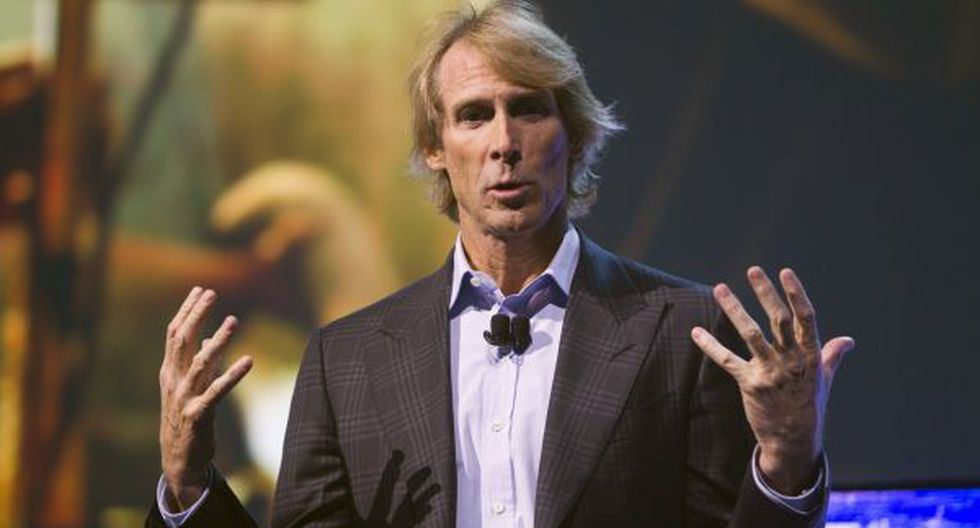 Michael Bay pasó penoso incidente en previa de CES 2014 [VIDEO]