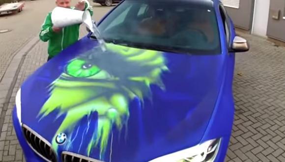 YouTube: Esta BMW cambia de color con el agua caliente
