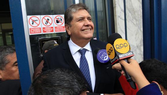 El ex presidente Alan García declaró por casi tres horas ante la fiscalía por la licitación de la Línea 1 del Metro de Lima que ganó Odebrecht. (Andina)