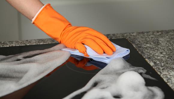 Descubre estos sencillos trucos para limpiar más fácilmente los artículos de cocina. (Foto: Shutterstock).