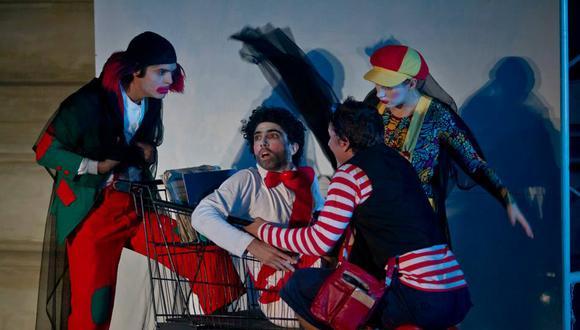 """""""¡A ver, un aplauso!"""" de César De María dirigida por Roberto Ángeles. Mayo, 2013. (Foto: Archivo fotográfico del Teatro Municipal)."""
