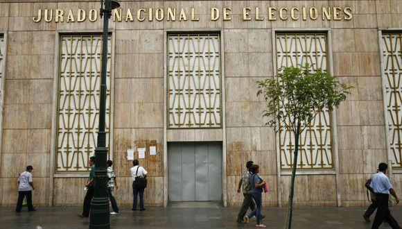 El órgano electoral deberá determinar la fecha y modalidad de entrega de las credenciales a los nuevos congresistas de Fuerza Popular. (Foto archivo El Comercio)