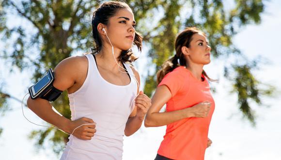 Recuerda siempre estirar y calentar antes de empezar a correr en el Entel Challenge Siempre en Competencia.
