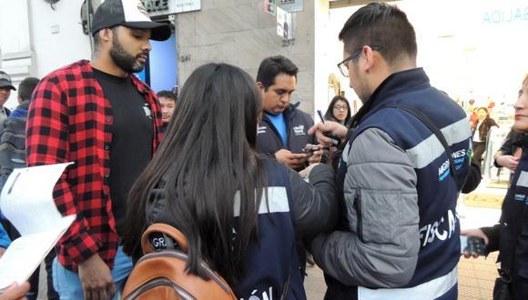 Municipalidad de Miraflores ha iniciado operaciones de control migratorio interviniendo a extranjeros.