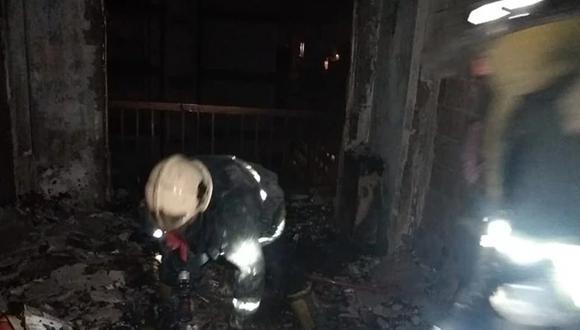 Los bomberos sospechan que las llamas se iniciaron porque el hombre preparaba alcohol en gel Crédito: La Capital Mar del Plata, vía La Nación/ GDA