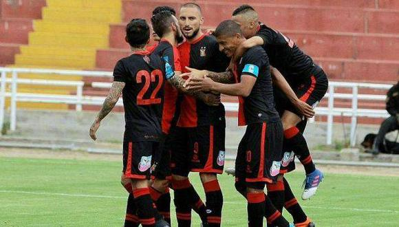 FBC Melgar venció 2-1 a San Martín y lidera el Torneo de Verano