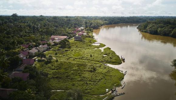 Los problemas para implementar infraestructura de redes en la selva pasan por su complicada geografía, la dispersión de su población y la falta de vías de transporte en la zona. (Foto: DAR).