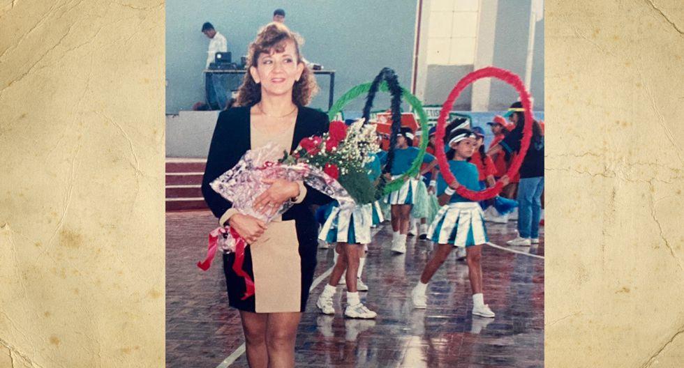 Ella es Maria Leonor Iberico Ventura y en la foto tendría 36 años.Actualmente tiene 4 hijos, 3 nietas mujeres y 1 nieto varón.