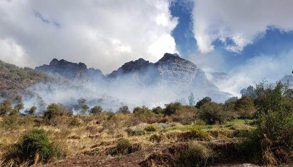 Fuego se encuentra a 3 km del santuario.