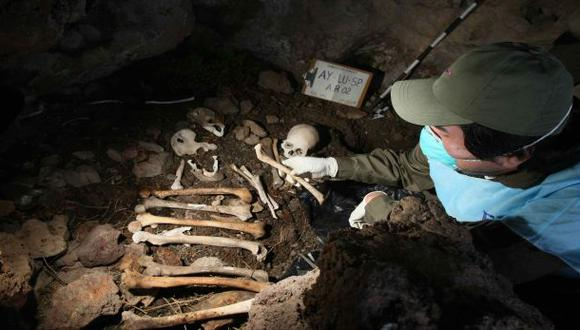 Hallan fosa común con restos de unas 800 víctimas de Sendero