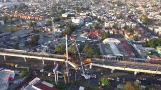 "Familiares de víctimas ""destrozados"" tras accidente en metro de México"